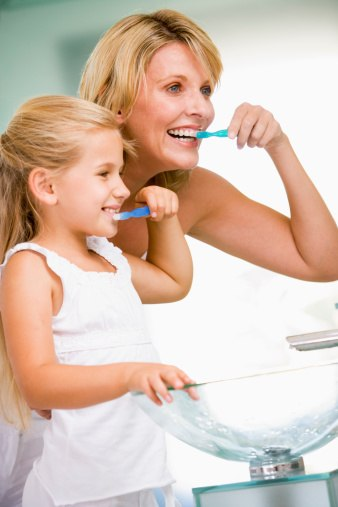 Teaching Your Kids Good Brushing Habits (And Technique!)